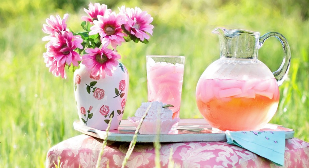 Pink Lemonade Outside with Pink Flowers